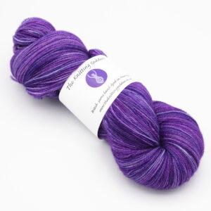 Violet colourway 4ply BFL nylon skein of yarn