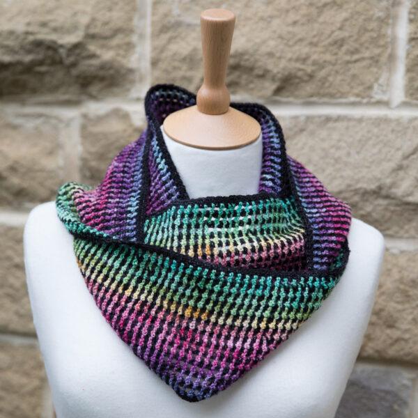 crochet the rainbow mesh cowl