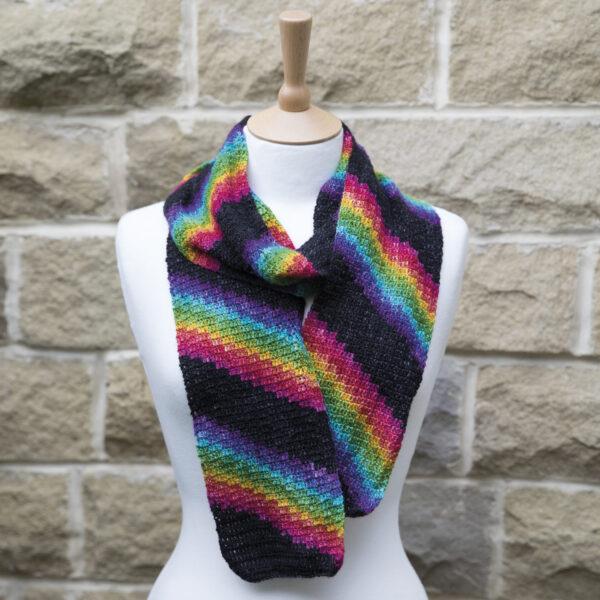 crochet the rainbow zigzag scarf