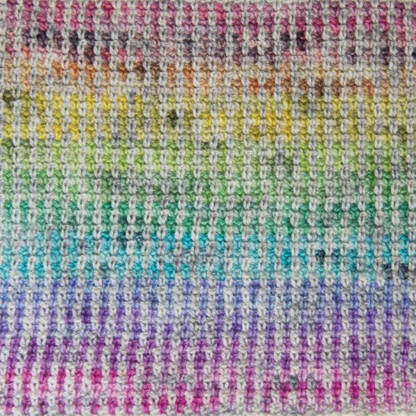 crochet the rainbow linen stitch cowl close up