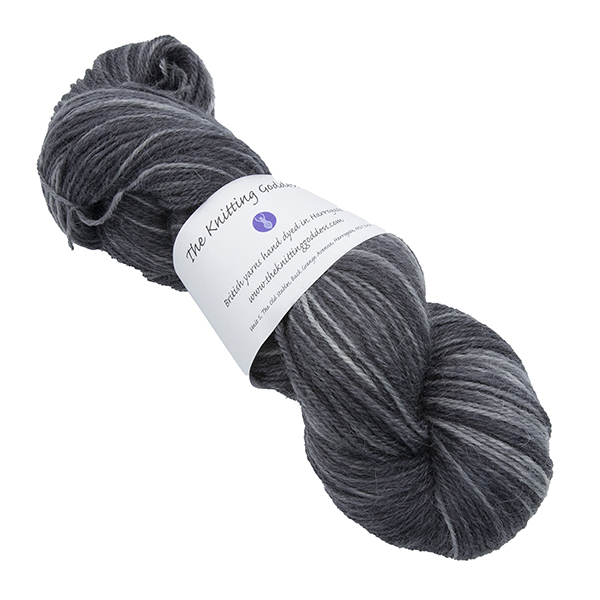 Skein of hand dyed britsock yarn - charcoal